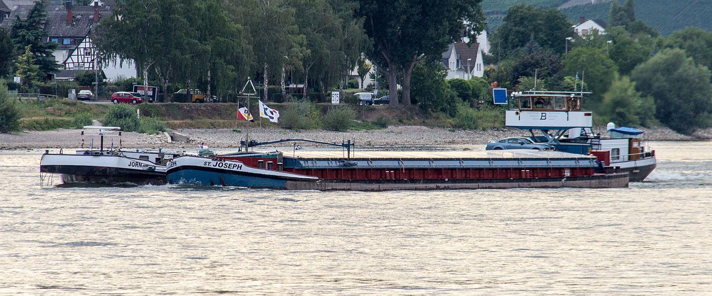 Koppelverband auf dem Rhein